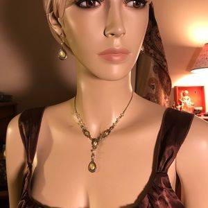 Avon, Y necklace and matching silvertone earrings